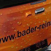 Autofolierung und Beschriftung links von Swisswrapstyle