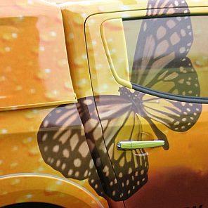 Autofolierung von Swisswrapstyle Schmetterling